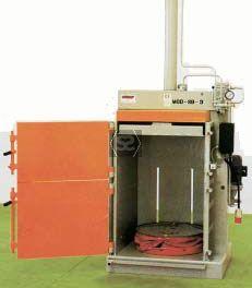 USB9 1 - 200L Universal Hydraulic Barrel Crusher